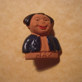 1940-02-3/4 German WHW donation pin. Wilhelm Busch figures - Max. Ceramic, hand painted T242.1  (12761)