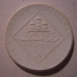 1922 Freiberg , WWI Memorial 182th Regiment donation. Meissen Porcelain 40mm Sch749n - VII (16020)