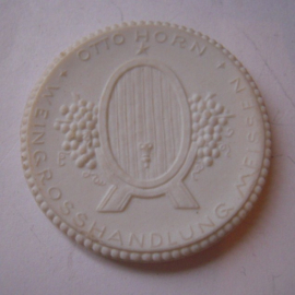 1921 Meissen , Weingrosshandlung Otto Horn. Max. 500 Stück produziert !!! Meissen Porzellan 40mm Sch1955n - VIII (14864)