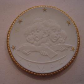 1922 Leipzig , Thomas church 700 yrs celebration donation. Gold décor !!! Max. 200 pcs made !!! Meissen Porcelain 40mm Sch776q - R !!! (16143)