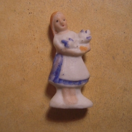 1944 Spring German WHW donation gift. Fairy tales - Cinderella. Porcelain 37mm T579.1 (13519)