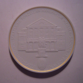 1993 A Meissen , City Thaler - theater Weimar. Gilded inner circle !!! Meissen Porcelain 64mm W10.236.2.1.5 - V (14789)