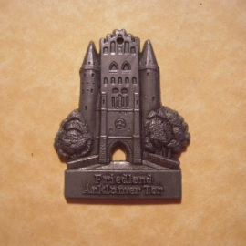 1942-06-27/28 German Red Cross donation gift. Famous city gates - Friedland - Anklamer Tor. Synthetic grey , black patina  T082 (12724)