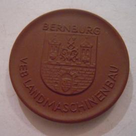 1974 Bernburg , VEB Landmachinenbau - VEB Weimar Kombinat. Meissen Porzellan 42mm W5124.1 - V (15720)