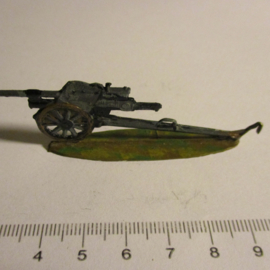 1933 - WWII German anti-tank gun , 1x flat 30mm scale very nice collector paint job. Gerhard Tobinnus (To) (16333)
