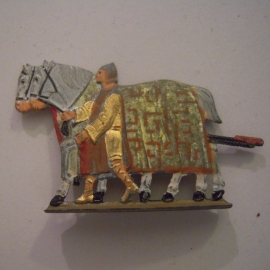 Gau München / Munich - Upper Bavaria 1940 German WHW donation gift. Tin figure : 1938 Parade on German Art Day - Sun float teamster. Flat 30mm scale T094 (14671)