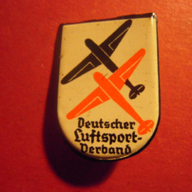 1933-38 German Air Sports Assocation donation pin. 2 airplanes  Metal DLV33 (6561)