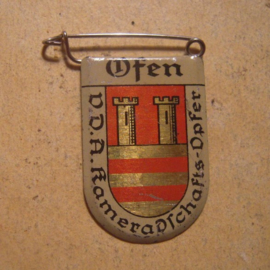 1934-39 German VDA donation pin. Coat of arms German cities abroad - Ofen/Óbuda (HUN). Metal T054  (13423)