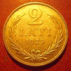 Latvia First Republic , 2 Lati 1925      KM8 (11318)
