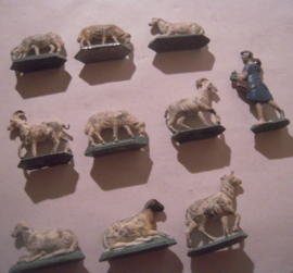 Sheep + goat + feeding girl , 10x flat 50mm scale.  Merten - Berlin 1950/60's (16172)