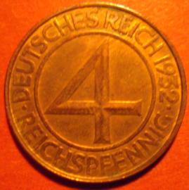 Weimar Republic - 4 Reichspfennig 1932 D. Bronze some original color near Unc !! J315/KM75 (6658)