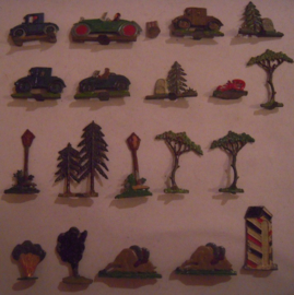 1920's - WWII Cars , trees and attributes , 20x flat 30mm scale (15825)