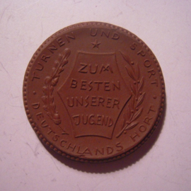 Berlin , 15 Mark 1921 - no value/date - German Gymnastics Committee. Meissen Porcelain 42mm Sch354a - III (15081)
