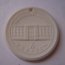 1963 Dresden , Pedagogical institution. Meissen Porcelain 35mm Sch1478n - VI (14866)