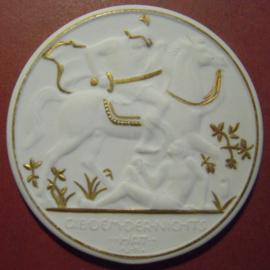 1923 Waldenburg / Walbrzych (POL) , City Pensioners Aid donation . Gold décor !!! Krister Porzellan-Manufakter 78mm  Sch879r- VIII (10997)