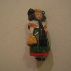 1937-03-20/21 German WHW donation pin. German folk costums - Bückeburg woman. Porcelain 38m T072 (13681)