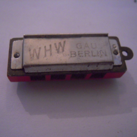 Gau Berlin 1930's WHW donation gift. Harmonica 10 exits 37mm T014b (15923)