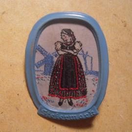 1938-11-5/6 WHW Spende. Trachten der Ostmark / Österreich -  Steiermark , Frau. Webabzeichen mit Nadel T155.1 (13531)