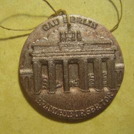 Gau Berlin 1940's WHW donation gift. Berlin buildings series -  Branderburger Tor. Synthetic T045  (13337)
