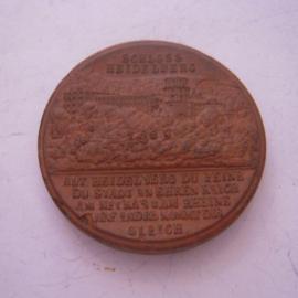1923 Heidelberg , Heidelberg Castle. Majolika-Werke Gaildorf 42mm brown Sch- (a) (15479)