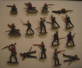 1914 German infantry WWI , 16x Semi-flat 40mm scale (15401)