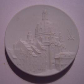 2004 Meissen , City medal - Dresden Frauenkirche. Meissen Porcelain white 50mm (14923)
