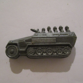 1941-03-22/23 German WHW donation gift. Armed Forces components - Armoured car, half-track. Trolitul 50x22mm T380 (16305)