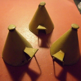 1800's old metal wigwams , 3x tin 63x58x68mm.  1950/60's Merten - Berlin (11154)