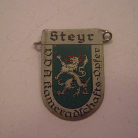 1934-39 German VDA donation pin. Coat of arms German cities abroad - Steyr (AUT). Metal T068 (15040)