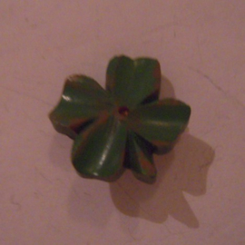 1938-03-26/27 German WHW donation pin. Spring flowers - Four-leaf clover. Synthetic resin T135 (15790)
