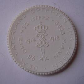 1922 Altenburg , WWI memorial 153rd. donation. Max. 500 pcs made !!! Meissen Porcelain 40mm Sch652n - VIII (14854)