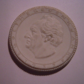 1932 Weimar , Goethe Erinnerung. Max. 500 Stück produziert !!! Meissen Porzellan 48mm Sch2283n - VIII (14946)