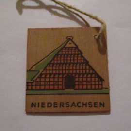 1942-11-21/22 German WHW donation gift. German farmhouses - Lower Saxony/Niedersachsen. Wooden , colorful painted 38x38mm T523 (16304)