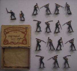 1877  Russo-Turkish War - Russian infantry , 17x in original old box !!! flat 30mm scale. Heinrichsen - Nürnberg (15404)