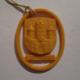 1941-06-14/15 German VDA donation gift. Coat-of-arms German border towns - Salzburg (AUT). Synthetic yellow/orange 37x28mm T137 (16271)