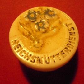 1930's Reichsmütterdienst , Vergissmeinicht.  Glas mit Nadel  T011 (7791)