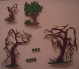 Trees and bushes , biggest tree 92x103mm , 6x flat 30mm scale (15764)