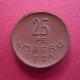 Amberg , 25 Pfennig 1921 - horizontal lines in window 1 & 3. Meissen Porcelain 24mm Sch100a (4431)