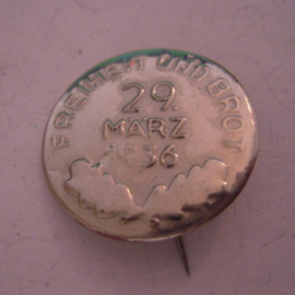 1936 Mar.29 German referendum on remilitarization of Rheinland pin. Metal 27mm silver colored  T36.01b (15509)