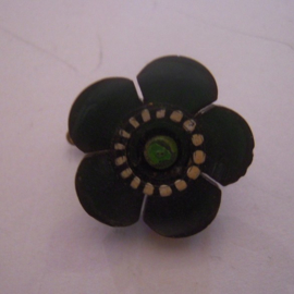 1930's German WHW pin Gau Württemberg - Hohenzollern. Flower - green/white. Synthetic 19mm T007 (14990)
