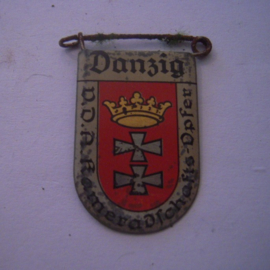 1934-39 German VDA donation pin. Coat of arms German cities abroad - Danzig / Gdańsk (POL). Metal 30x20mm T025 (15960)