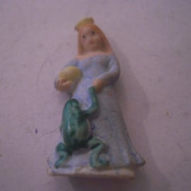 1944 spring German WHW donation gift. Fairy tales - The Frog Prince. Porcelain 40mm T580.1 (15873)