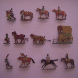 Old tin soldiers flat 20mm scale - HO