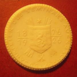 1926 Auerbach , 50. Jahrfeier des Seminars. Max. 200 Stück produziert !!! Meissen Porzellan 36mm Sch1021n - R !!! (11337)
