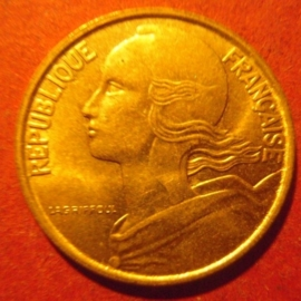 10 Centimes 1990       KM929 (11848)