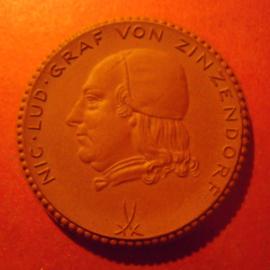 1922 Herrnhut , 200 yrs - Count von Zinzendorf. Meissen Porcelain 42mm Sch765a - VII (8852)