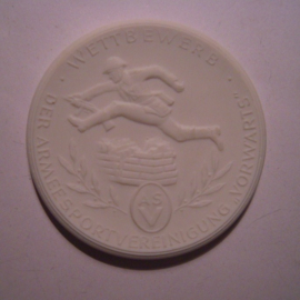 "1962 Strausberg , NVA Army Sports club ""Vorwärts"" - Best sportsman. Meissen Porcelain 64mm W4424.2 - III (15082)"