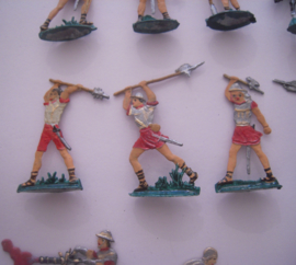 1400's Medieval soldiers , 20x flat 30mm scale. Heinrichsen - collector paint job (16197)
