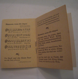 1942-10-24/25 German WHW donation booklet , The German song - Soldiers songs. Paper booklet 12 pages 50x70mm T513 (15054)