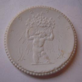 1921 Meissen , Wine trader Otto Horn. Max. 500 pcs made !!! Meissen Porcelain 40mm Sch1955n - VIII (14864)